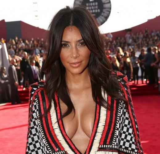 MTV_VMA_2014_best_celebrity_hairstyles_Kim_Kardashian_wavy_hair