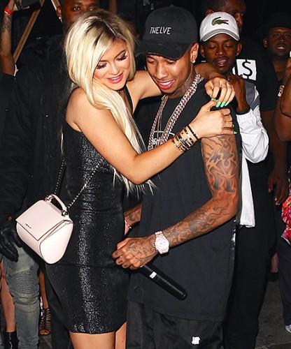 Eles namoravam desde outubro do ano passado e Tyga já deu até uma Ferrari pra Kylie.