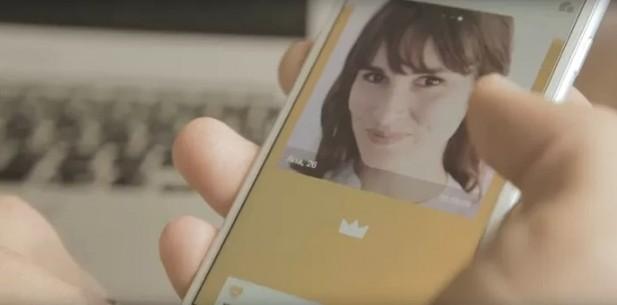 Once: Rival do Tinder no smartphone mostra foto de match sugerido por humanos