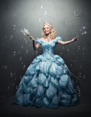 Fabi deslumbrante como Glinda. (Foto: Pedro Dimitrow)