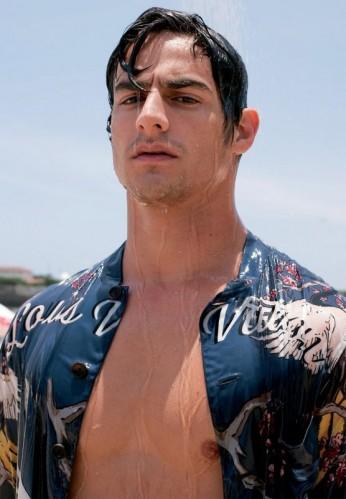 Uma hora dessa já tem gente mais molhada que essa camisa... hahahahaha
