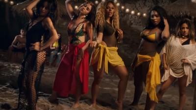 """OMG! Meninas do Fifth Harmony sensualizam em clipe cheio de gatos; vem ver """"All In My Head (Flex)"""""""