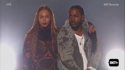 """Beyoncé e Kendrick Lamar abrem o BET Awards com performance destruidora de """"Freedom"""""""
