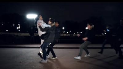 """Riri lança vídeo de """"Goodnight Gotham"""" com imagens lindas (e insanas!) de encontro com fãs"""