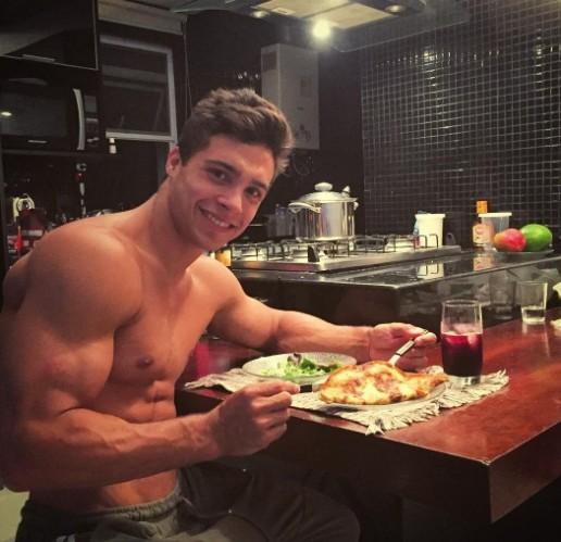 Petrix, casa comigo que farei jantar fit todos os dias, sem glúten, sem lactose, mas com muito amor kkkkkkkkkkk cafonaaaaa