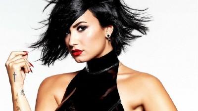 """Bapho! Demi Lovato é processada por suposto plágio na música """"Stars"""""""